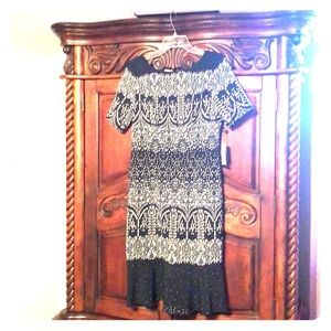 New Adrianna Papell Black and White Dress